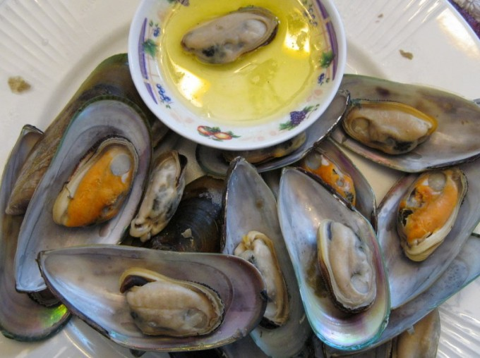 Greenshell Mussels and butter