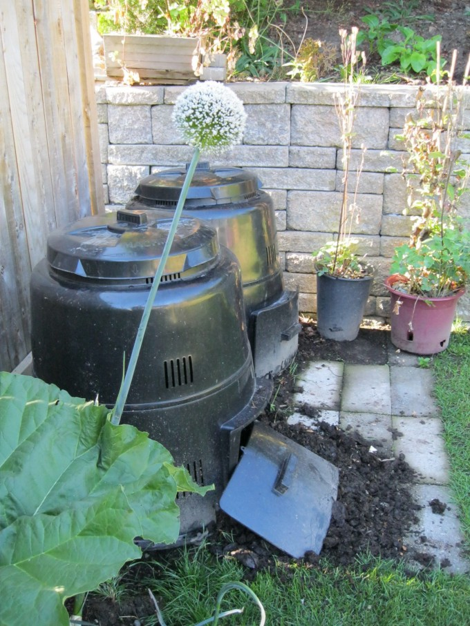 Ever increasing compost bins