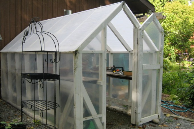 A greenhouse can extend the growing season