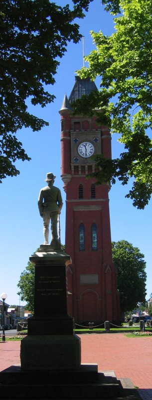 Camperdown Clock & war memorial