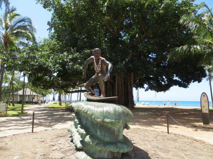 Surfer monument Waikiki
