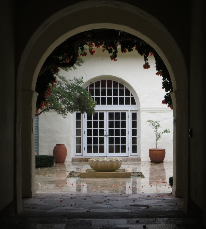 Honolulu Museum of Art ~ courtyard in the rain