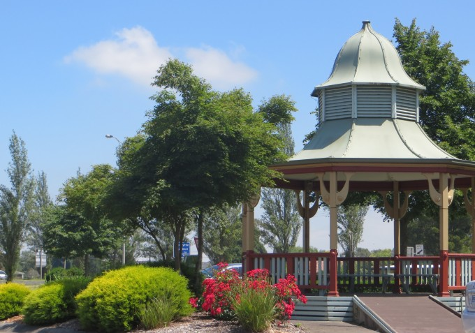 Main Street - Yarragon Village