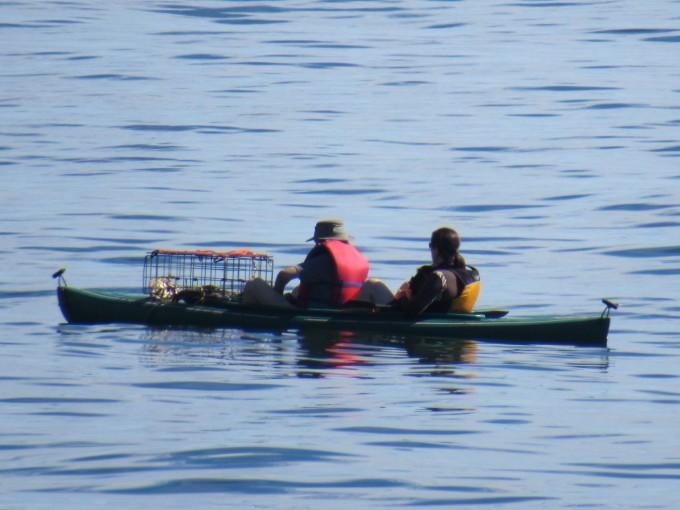 Kayak a good crab fishing vessel in calm seas