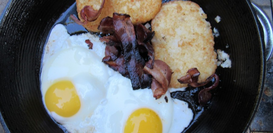 Eggs, Bacon & Hash Browns (a treat for the woodcutter!)