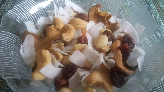 Healthy Trail Mix: Coconut flakes, cashews, peanuts pumpkin seeds & dried cranberries