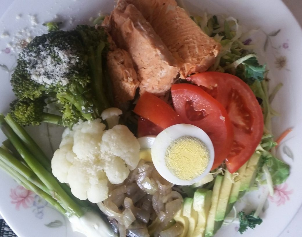 Fresh Salmon, veggies & salad