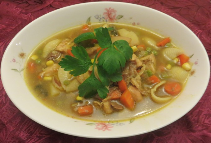 Super fast homemade chicken soup - with noodles